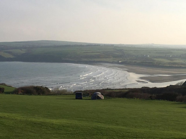 Ty Canol Farm caravanning and camping site